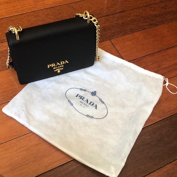 Sale 🎉 Authentic Prada leather chain shoulder bag 10beb1d39e55c